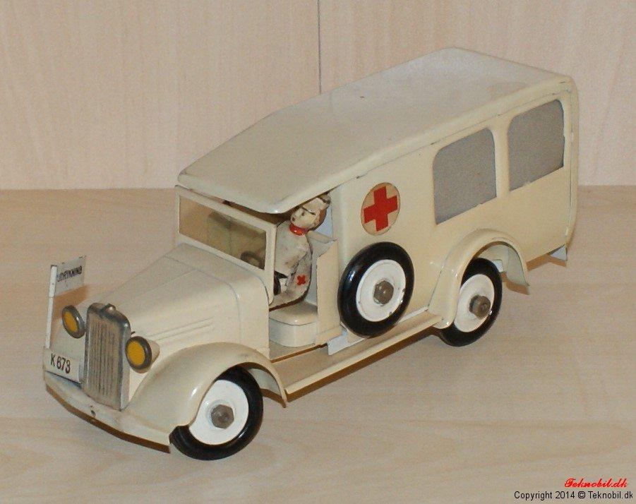 Ambulance hvid Røde Kors Tekno no. 351