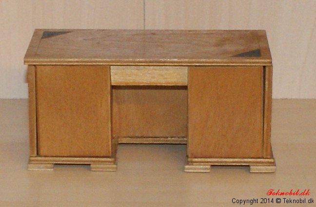 Skrivebord Tekno no. 640