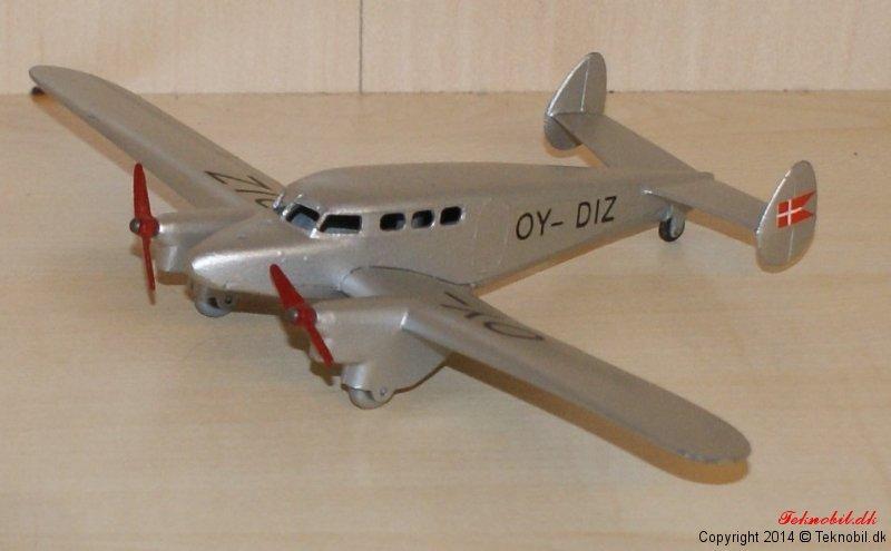 Ambulanceflyver tekno no. 488-2
