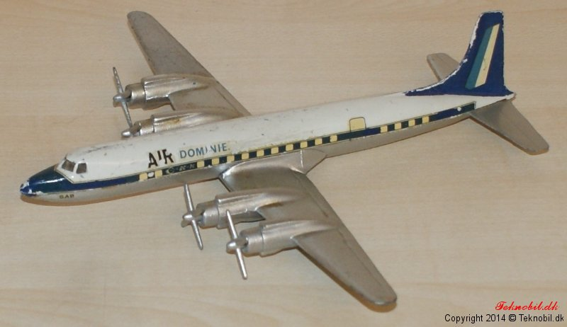 Passagerflyver DC 7C Tekno no. 765
