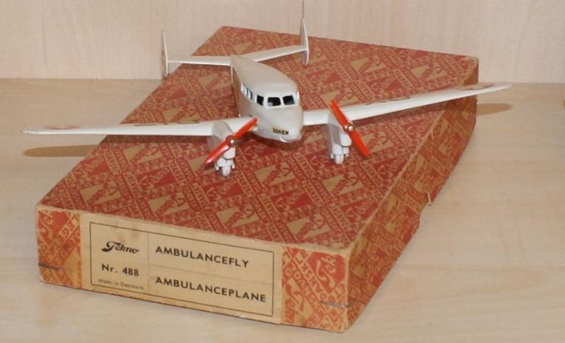 Ambulanceflyver tekno no. 488-1