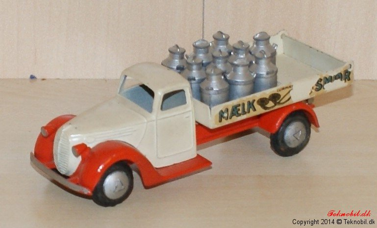 Ford V 8 Mælkebil Tekno no. 424