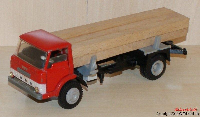 Ford D 800 Tømmervogn Tekno 917